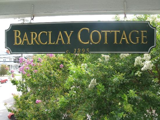 Barclay Cottage Bed and Breakfast: barclay cottage sign