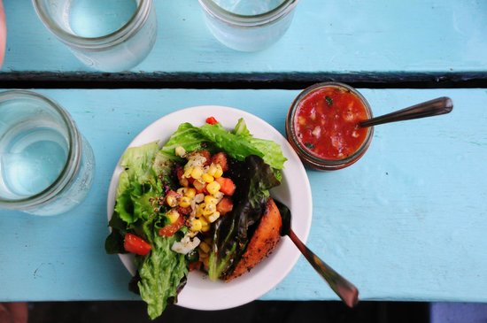 Dominick's: Starters: Salad and Gazpacho