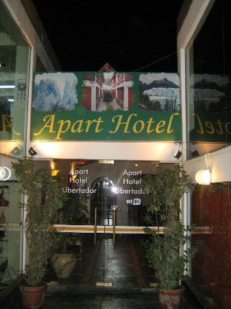 Apart Hotel Libertador: Entrada al Apart