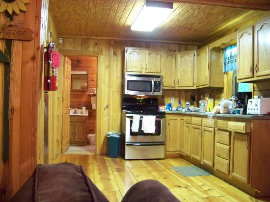 Chalets in Hocking Hills: Kitchen