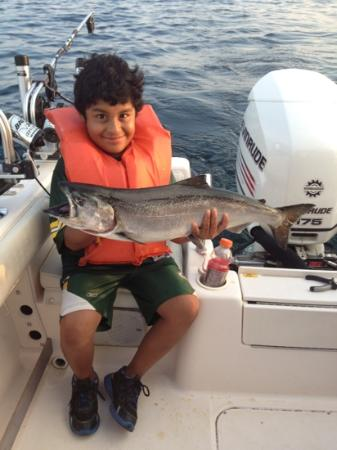 Fish Tales Charters : caught a big one