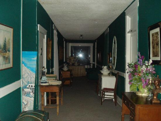 Thomas House: Hallway at night during our ghost hunt