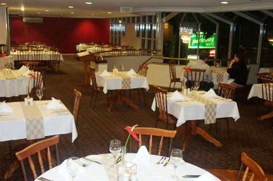 McNevins Maryborough Motel: Sails Restaurant