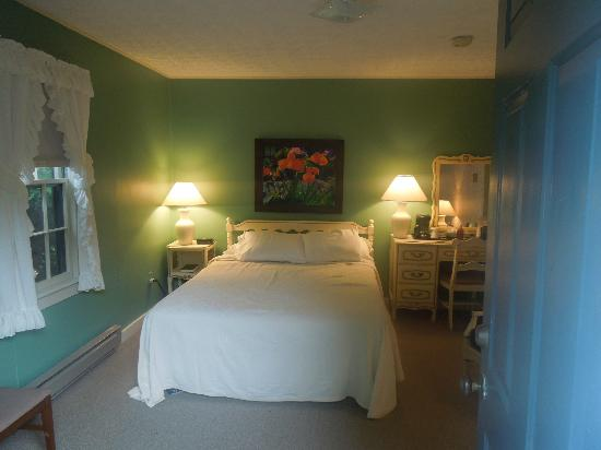 Alpen Acres Motel: Queen Bedroom