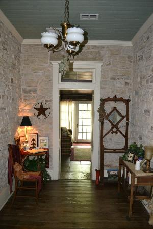 Old Rock House Bed and Breakfast: Entry