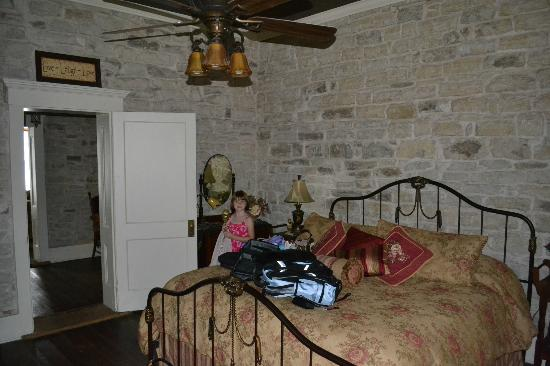 Old Rock House Bed and Breakfast: King bedroom