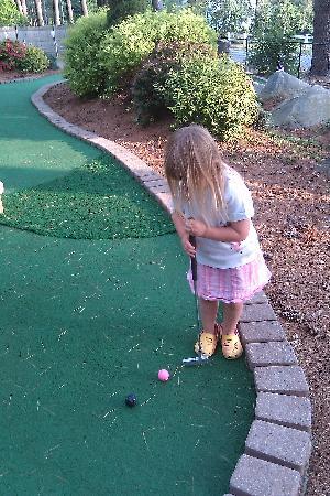 Grandview Mini Golf: Fun for little ones, too