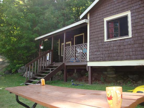 "Timberlane Rustic Lodges: The "" Maple"" Cottage"