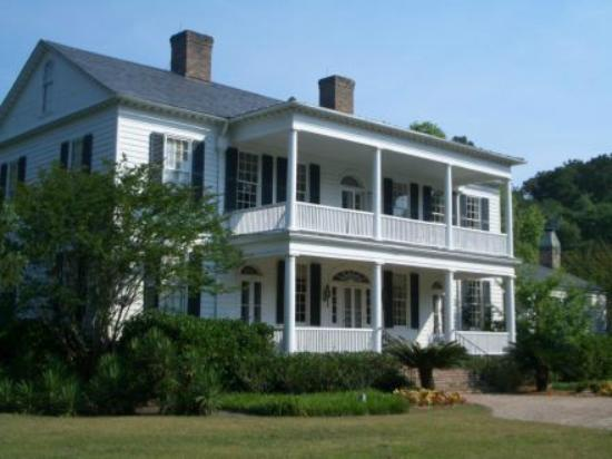 Litchfield Plantation: Country Inn