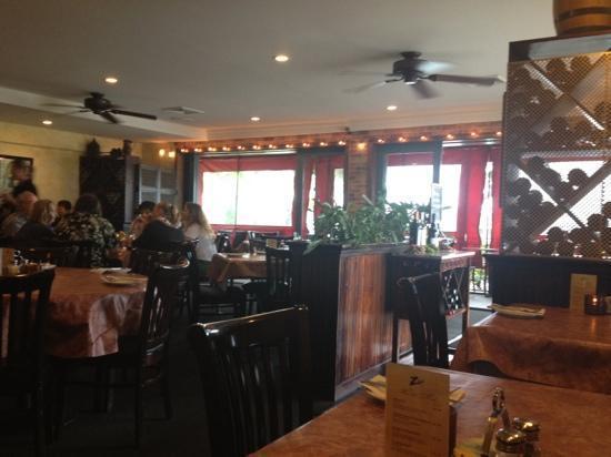 Zia's Caffe : inside Zias