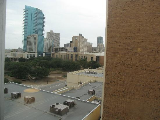 Sheraton Fort Worth Downtown Hotel: Day view from the room