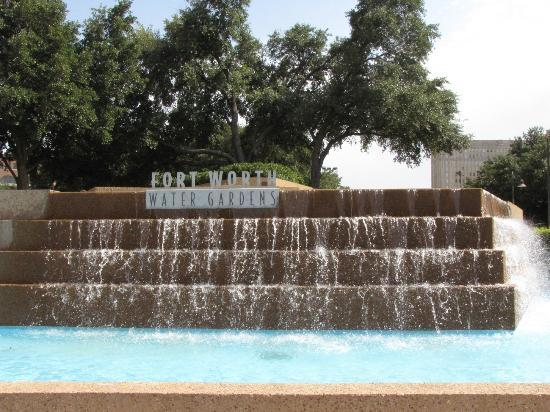 Sheraton Fort Worth Downtown Hotel: Ft Worth Water Gardens
