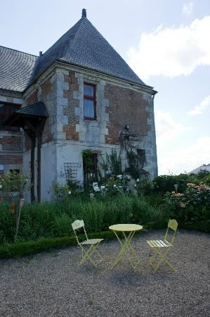 Château de Jallanges in Loire Valley : Enjoy an afternoon tea after check in!