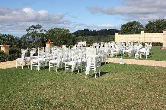Flaxton Gardens Restaurant: Tiffany chairs with sashes ready for the guests