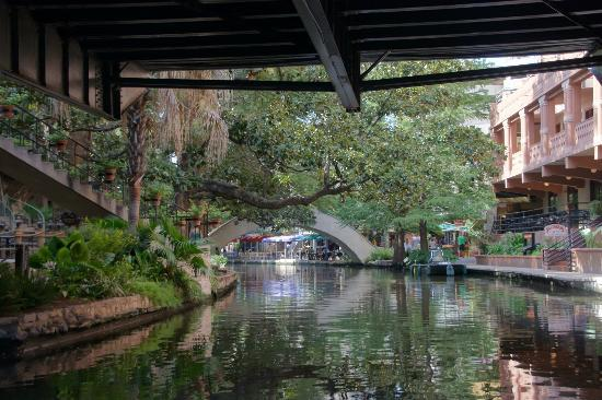 Hyatt Regency San Antonio Riverwalk At The Bend Adjacnet To