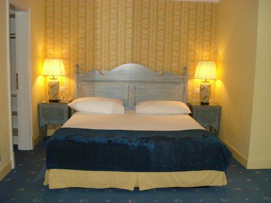 호텔 라 바르카롤레