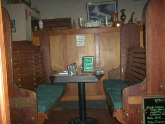 Mateel Cafe: Booth