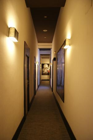 Hostal Alhambra : Hall way