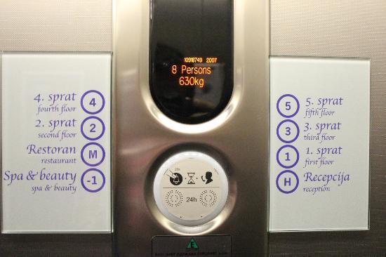 Life Design Hotel: Lift
