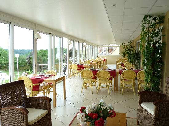 Hotel Laborderie: salle petit déjeuner