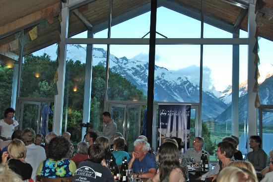 Old Mountaineers Cafe Bar And Restaurant
