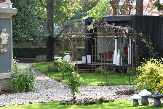 La Villa 1901 : jardin arbore