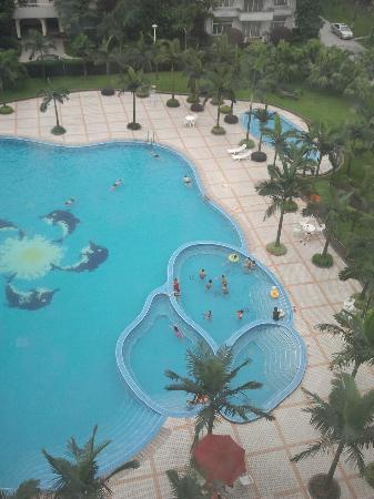 Homeland Hotel: piscina