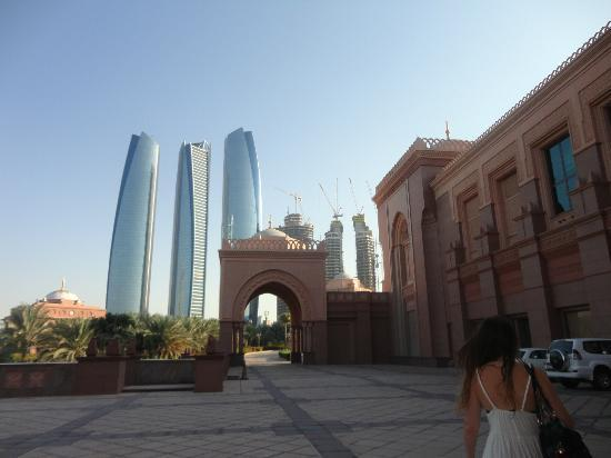 Emirates Palace: View by day