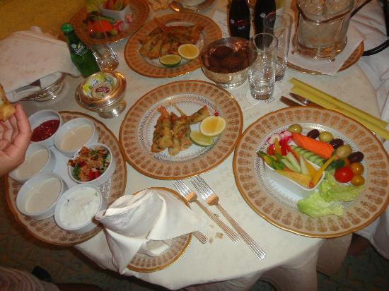 Emirates Palace: Room service - food