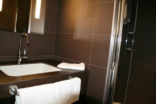Mercure Vichy Thermalia : Salle de bain