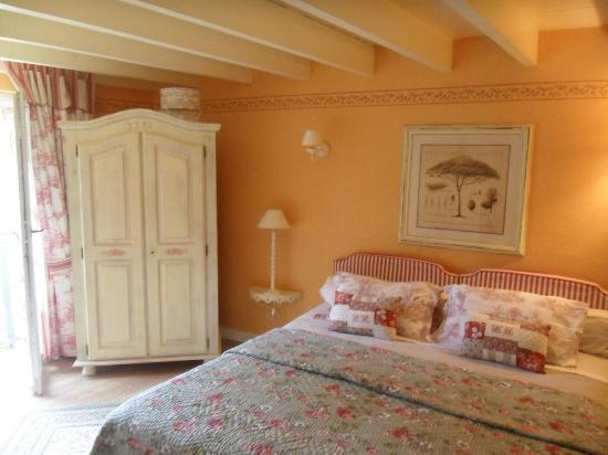 la chambre proven ale photo de logis du grand moulin les epesses tripadvisor. Black Bedroom Furniture Sets. Home Design Ideas
