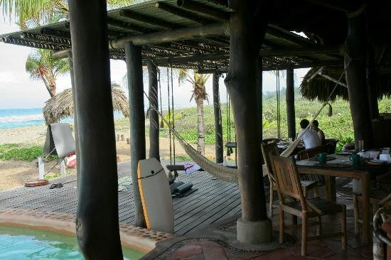 Playa Viva: Hammocks near the dining area