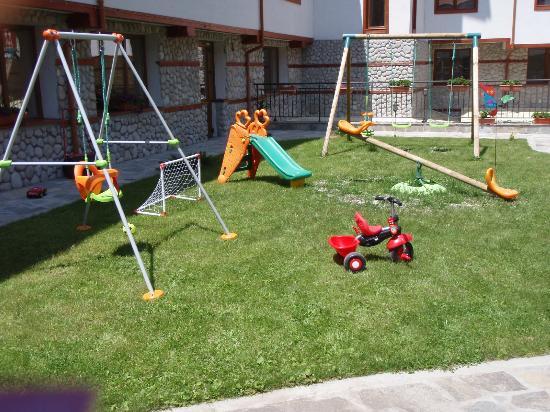 Pirin River Ski & Spa: Garden - playground for children