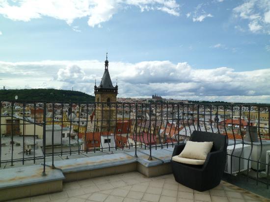 Hotel Suite Home Prague: Aussicht Dachterasse