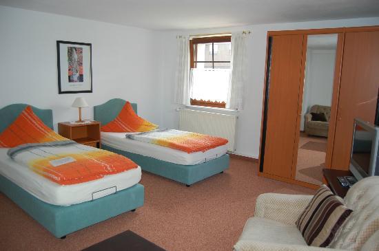 Hotel Zum Nussbaum: Zimmer