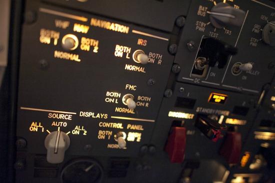 Flight Experience - Flight Simulator - QV Melbourne - Overhead panel