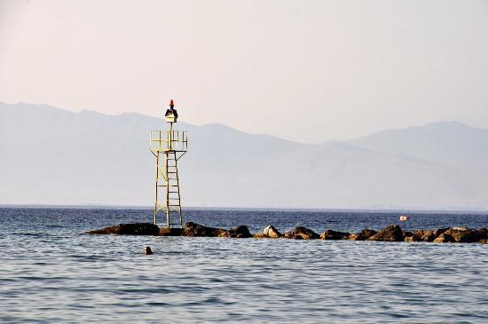 Grecotel Lakopetra Beach: νησάκι απέναντι από παραλία