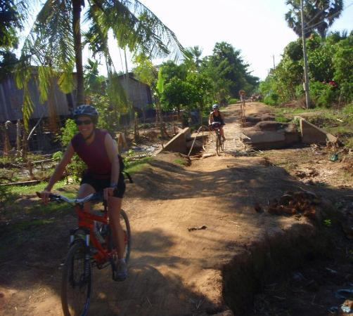 Asia Adventures: Off roads cycle