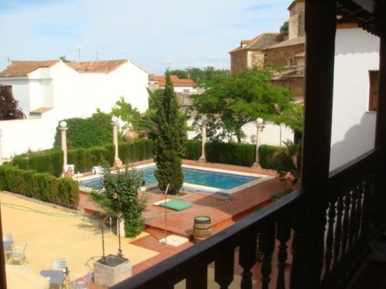 Hotel Casa Palacio: piscina desde planta supeior