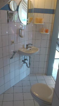 Hotel Relax: Salle de bain du studio