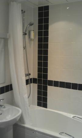 Best Western Plus Blackpool Lytham St Annes Glendower Hotel: bathroom