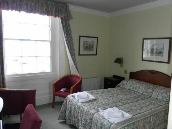 Bay Carlton Hotel: Our Double Room