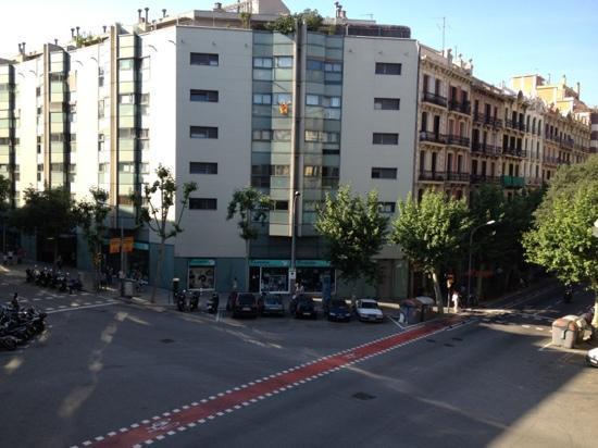 Hostalin Barcelona : vista dal balcone....