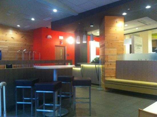 CityFlatsHotel: lobby
