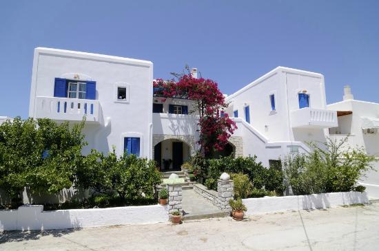 Moschoula Studios & Apartments: Exterior View