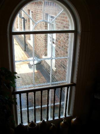 Best Western The Bell In Driffield: Window on stairs