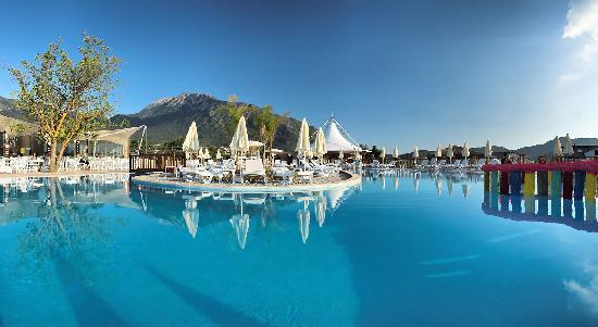 Sahra Su Holiday Village & Spa: Main Swimming pool
