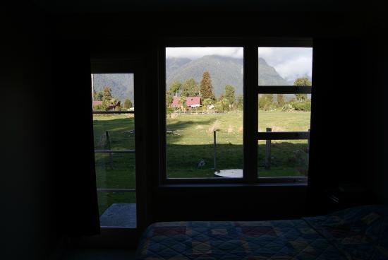 Mount Cook View Motel: View from Living Room