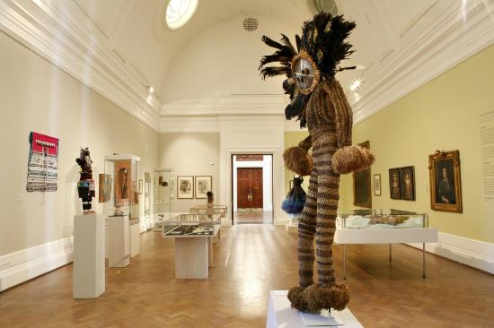 Iziko South African National Gallery: Exhibition View - Adornment