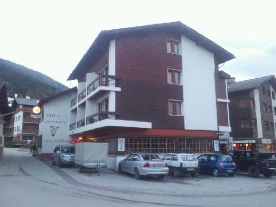 Hotel des Mayens : Hotel vue cote Nord